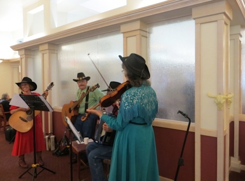 "Double J and the Boys (regulars at Ilwaco Saturday Market) were performing ""cowboy songs"" in the dining room."