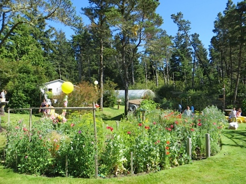 looking east across the garden; the house in the distance (not a residence) was being used for dinner preparations.