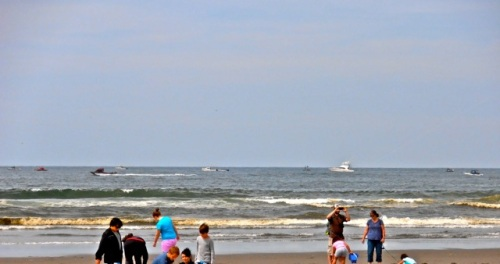 Fishing is HOT this summer.  Nine boats on the horizon.  (Allan's photo)
