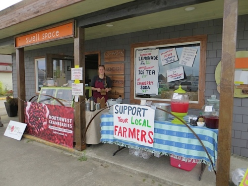 Pink Poppy Bakery, set up outside with liquid refreshments by Starvation Alley Cranberry Farm;