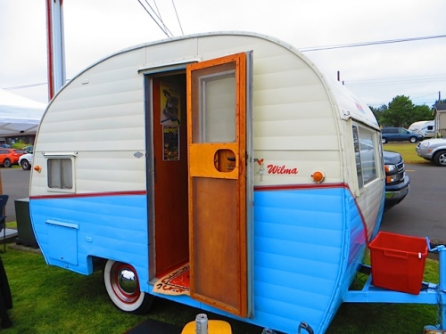 Wendy and Del's very own classic caravan