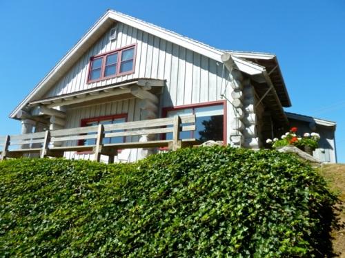 cabin from below (Allan's photo)