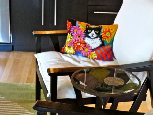 Allan's photo:  He thought I should see this pillow as it looks just like my late and much missed kitty, Dumbles.