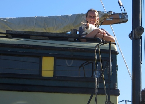 And I chatted with a woman who has two boat cats on her boat.