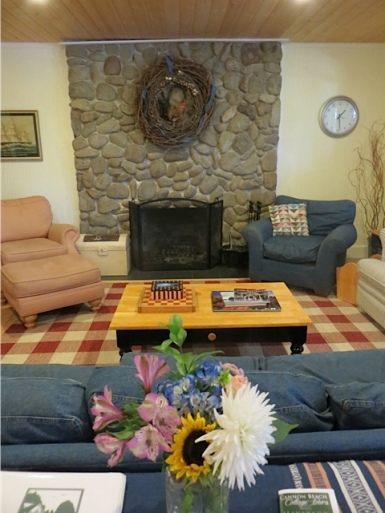 The fireplace is the same style as in many old Cannon Beach cottages.