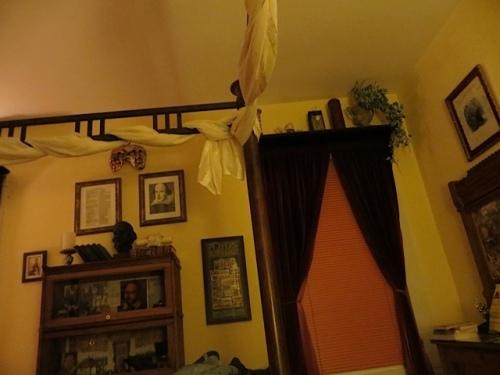 Shakespeare room before falling asleep