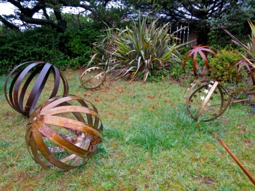 more garden art (Allan's photo)