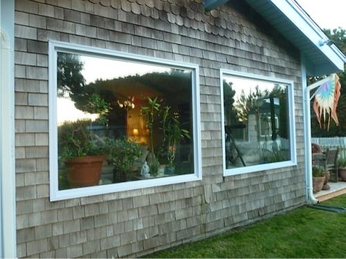 the lovely west windows of the Boreas Inn