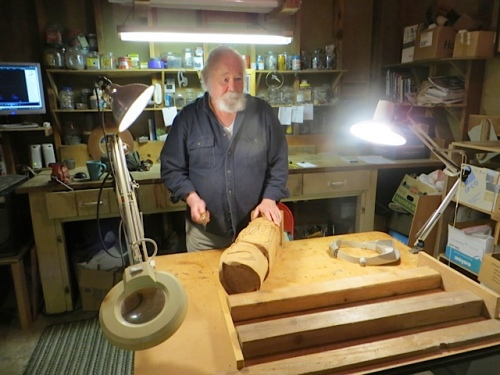 woodcarver Jim Unwin
