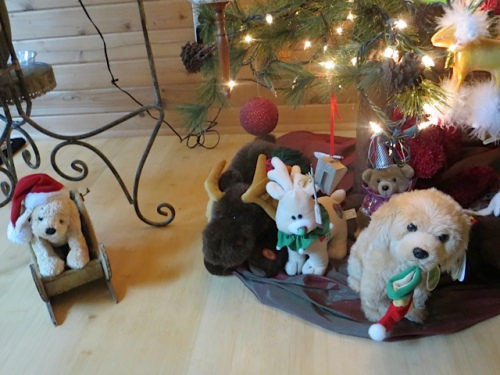 under the tree, an homage to Ralph the dog