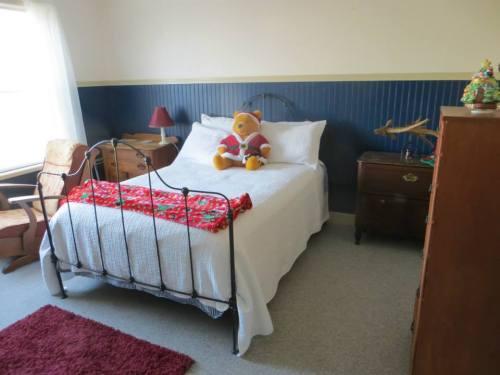 northeast bedroom