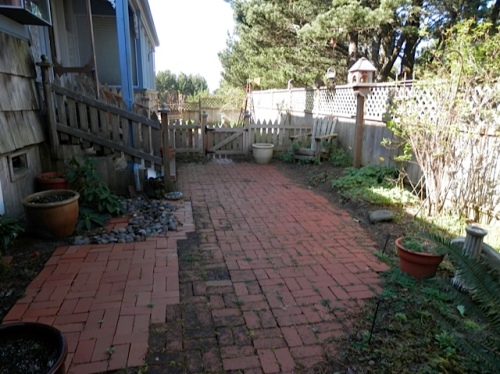 middle courtyard, before