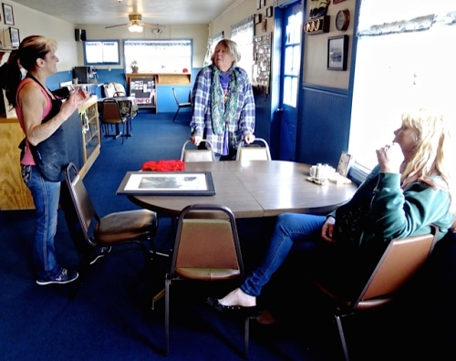 schmoozing at the Portside (Allan's photo)