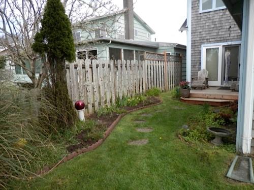 The garden suite garden also got mulched.