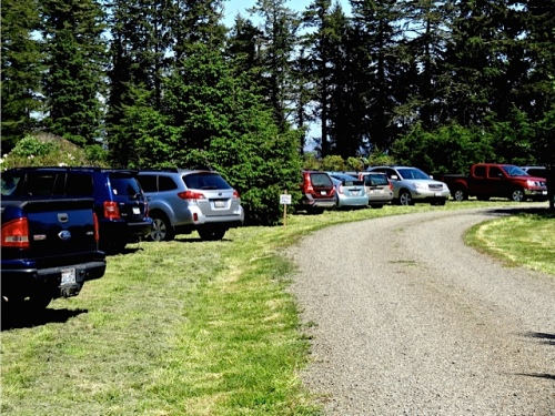 Allan's photo:  plenty of parking on the lawn during tour events