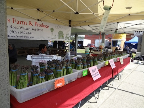 Speaking of asparagus, De Asis Produce featured it exclusively this week.