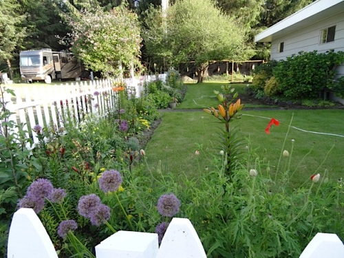 the picket fence garden
