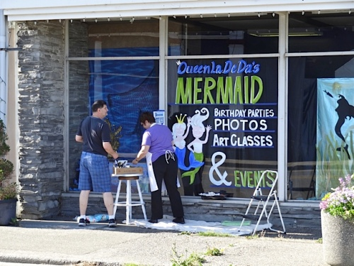 Allan's photo: Don and Jenna were painting at Queen La De Da's