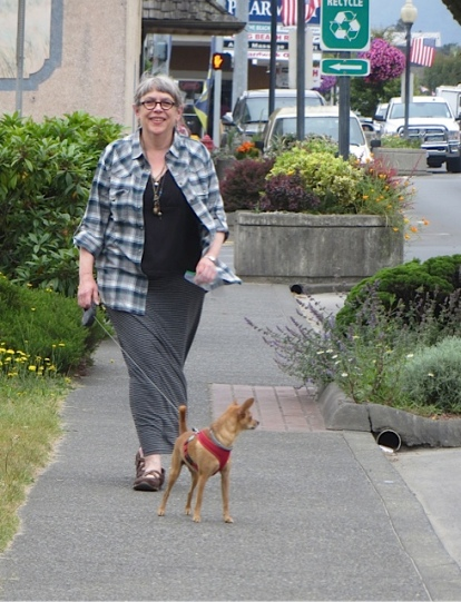 Heather from NIVA green came strolling up the street with her little dog, Buzz.