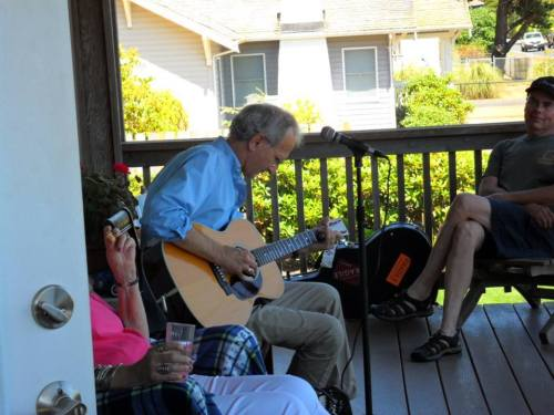 While I listened to him, Marla's mom (left, in pink) was still up on the porch sitting next to him and enjoying the music.