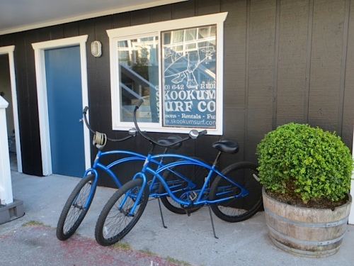Their Skookum Surf shop, formerly in Seaview, is now at the hotel.