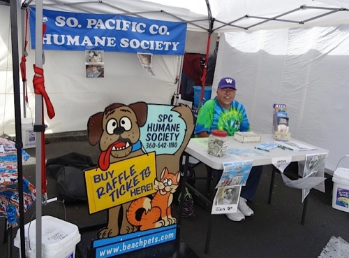 There was our Peninsula Humane Society raffle booth.