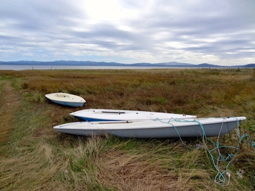 other boats promise a launch at high tide