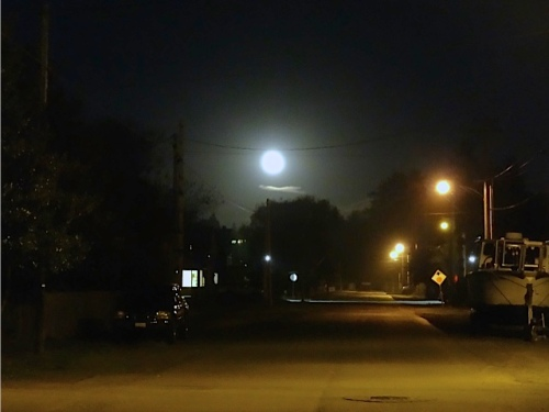 Allan's photo, Lake Street moon