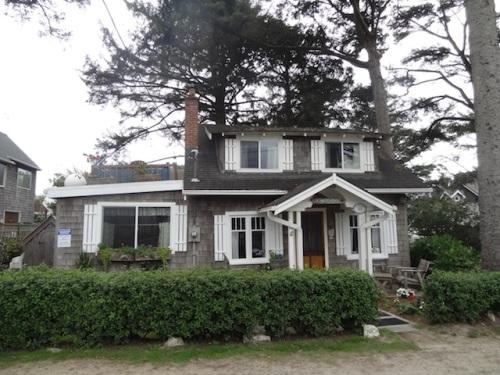 Hutchins House