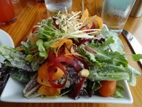 Nancy's photos of her bistro salad with bleu cheese dressing...
