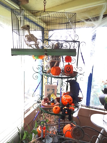 The bird and cage are new this year, from NIVA green.