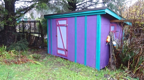 I was touched that the new owner has kept the purple colour; it has clearly been freshly painted.