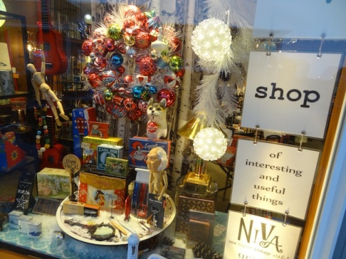 NIVA green shop window