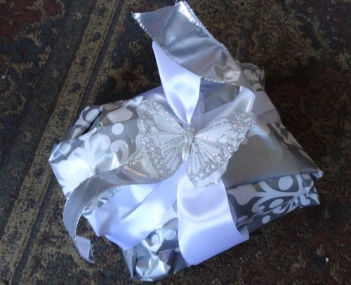 prize for best wrapping goes to Queen La De Da!