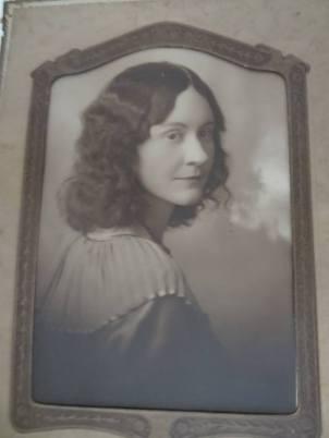 Gladys Walker.jpg