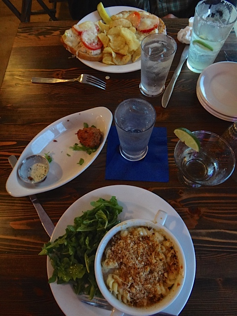 crab mac and cheese and tuna melt (Allan's photo)
