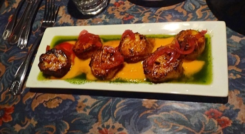 J9's double order of mango sea scallops