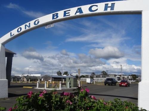 the Long Beach arch on Bolstad