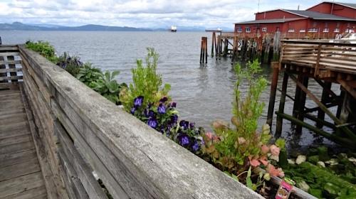 a railing planter