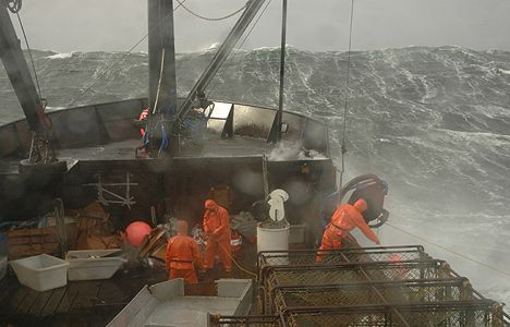Deadliest Catch: keeping ropes untangled is critical