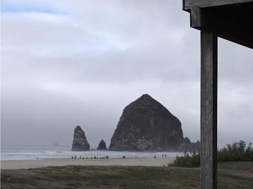 We were closer to Haystack Rock now. (Allan's photo)