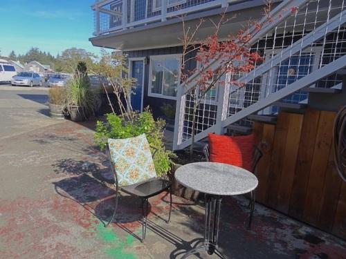 Salt courtyard sit spot