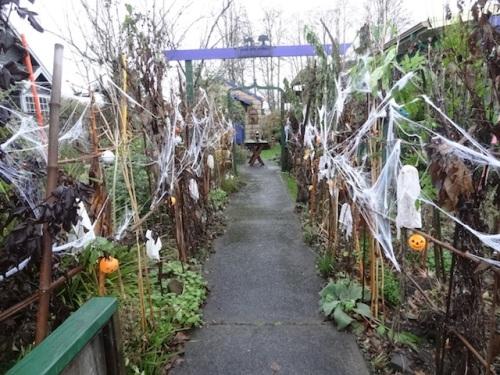 Corridor of Spooky Plants