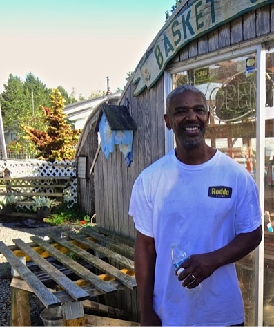 Darrell, one of the new Basket Case owners (Allan's photo)