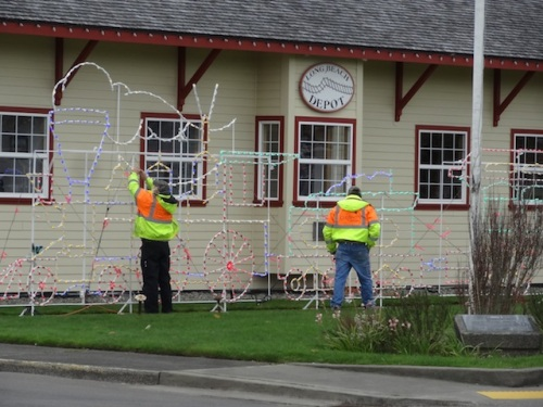 The city crew had moved on to Coulter Park's decorations.