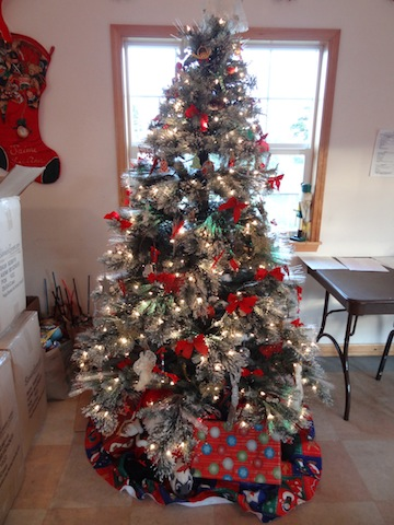 Shoebox HQ Christmas tree
